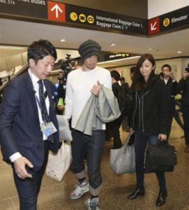 イチローと成田空港に姿を現した弓子さん