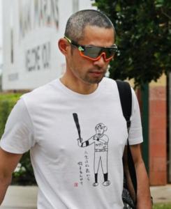 イチローTシャツ『人生は42歳から始まるんやて』